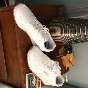 Brand new Reebok Harman run white sneakers